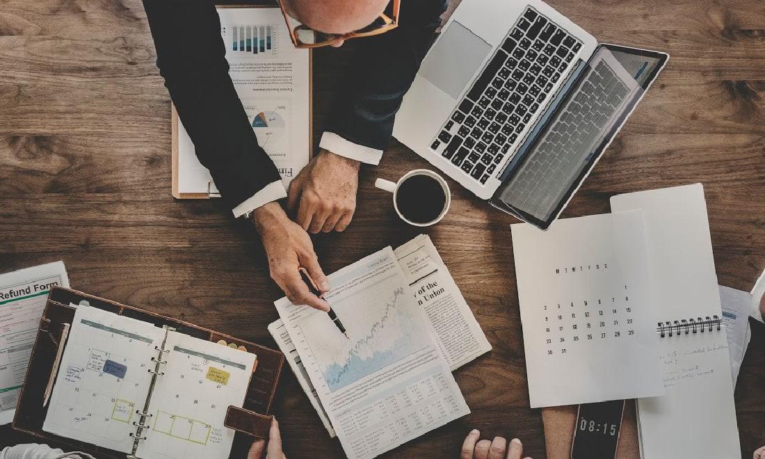 empreendedor fazendo um plano de negócios